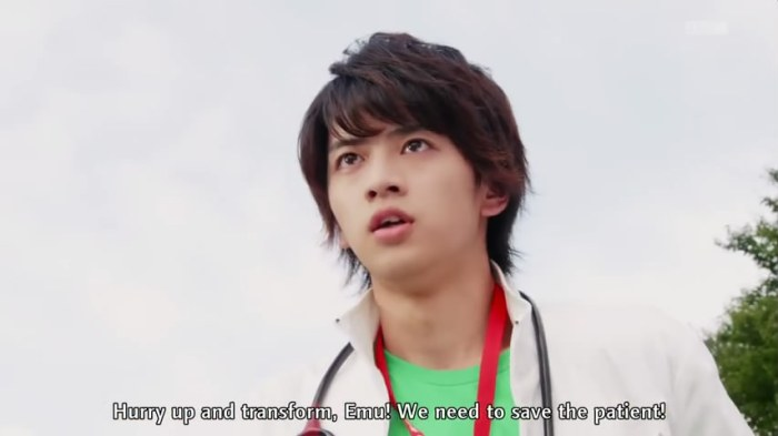 9-kamenriderex-aid-02-emu-healthy-eyes